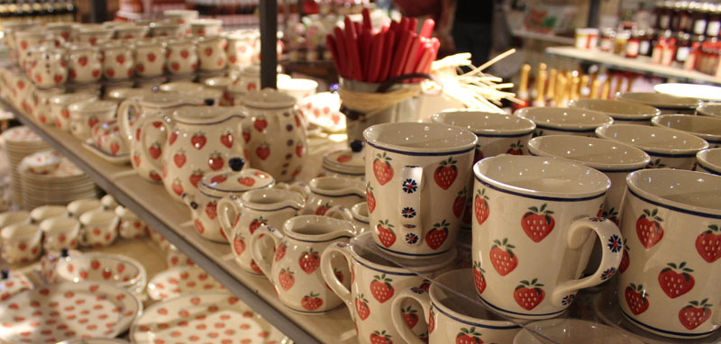 Erdbeer-Geschirr-Karls