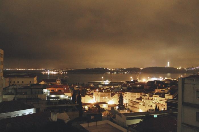 lisbon-night-lights
